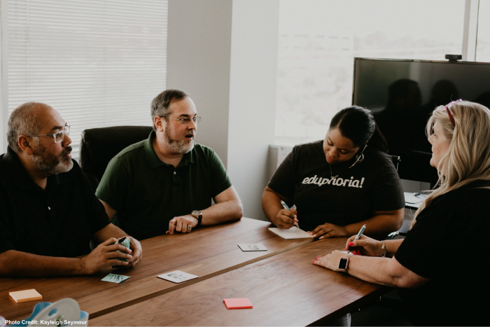 Team-Meeting.png?mtime=20190820122438#asset:458